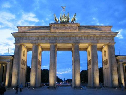 Brandenburg Gate Dimensions it Was at The Brandenburg Gate