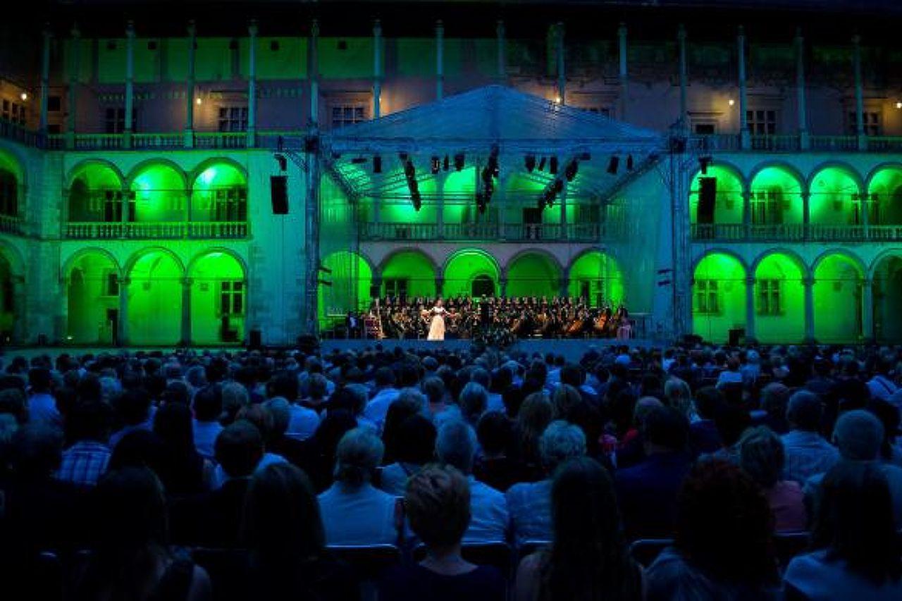 Arias of the World's Operas - Moniuszko - Opera krakowska