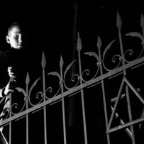 Child by the Synagogue