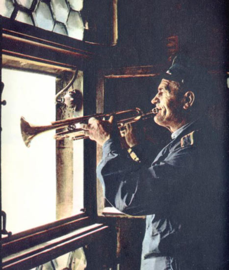 the life of joseph charnetski in the trumpeter of krakow a novel by eric p kelly A student of slavic culture for most of his life, wrote the trumpeter of krakow  a historical novel, eric p kelly's trumpeter of krakow  joseph charnetski.