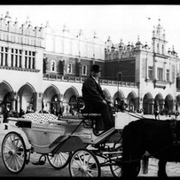 Carriages on the Rynek Glowny