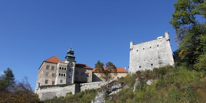 Pieskowa Skala Castle