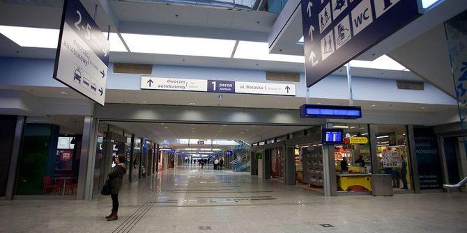 Photo 3 of Railway Station Dworzec Glowny