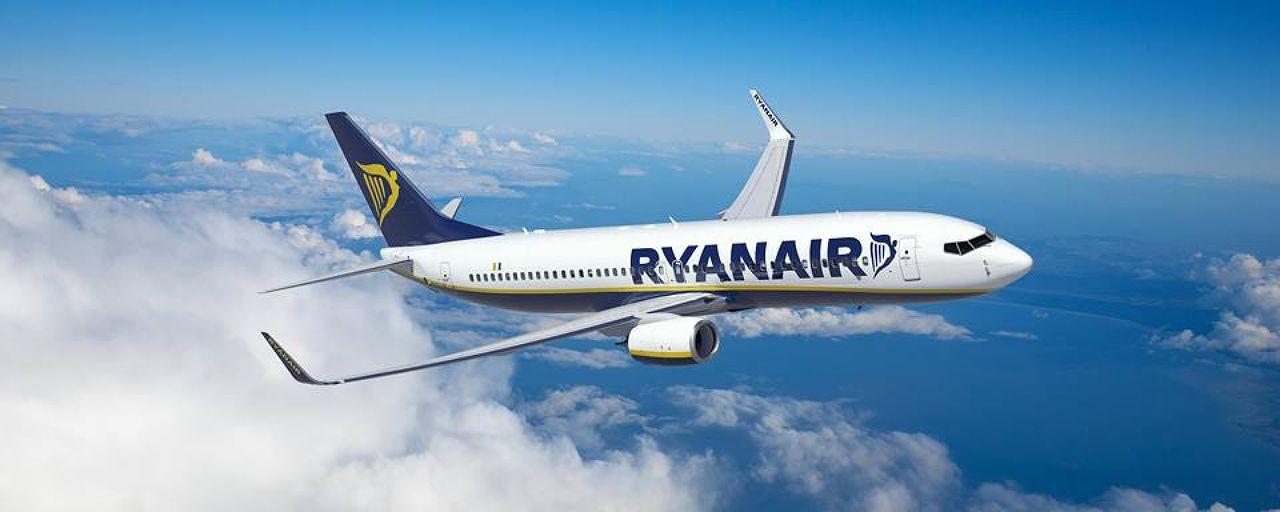 Photo 1 of Ryanair