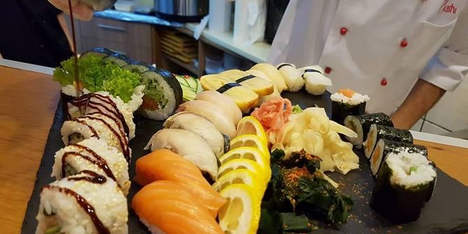Photo 1 of 77 Sushi 77 Sushi