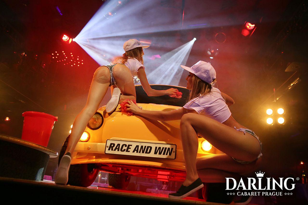 Photo 3 of Darling Cabaret