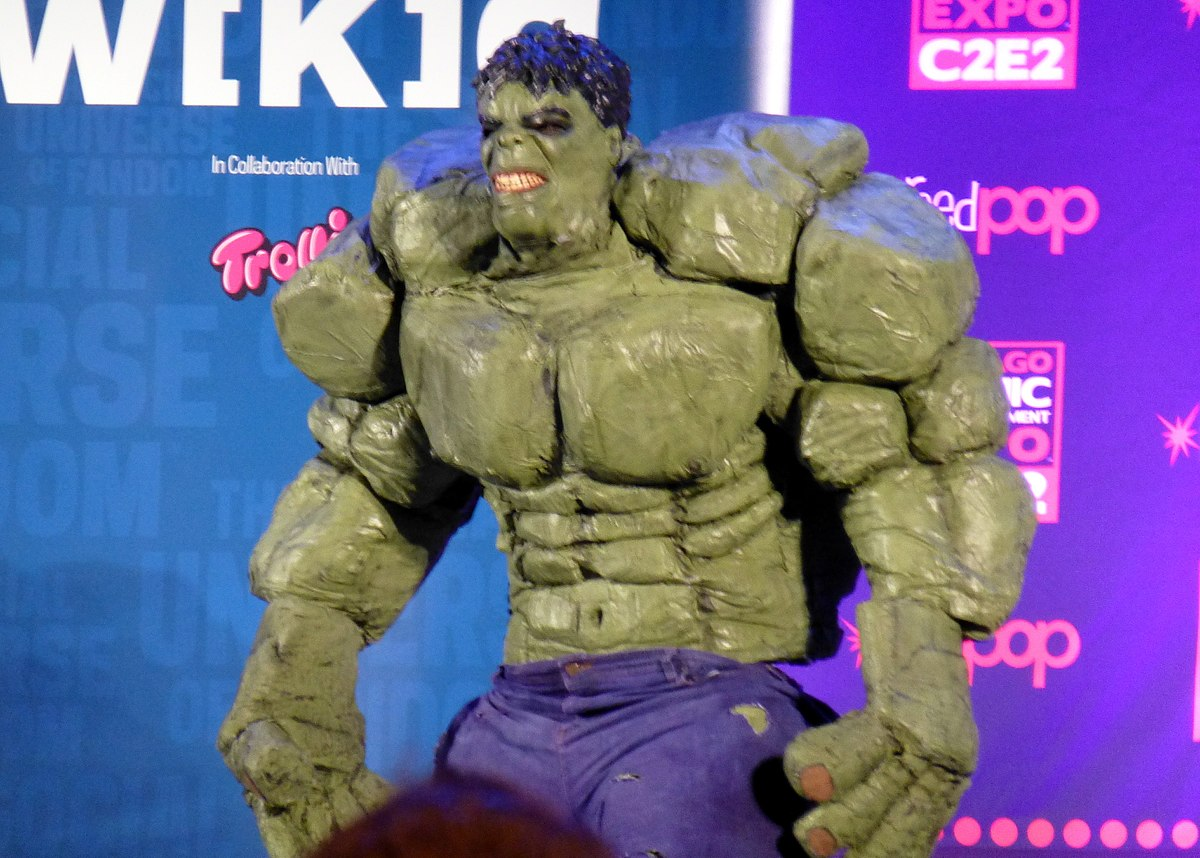 1200px-C2E2_2014_Contest_-_Incredeible_Hulk_(14105681392)