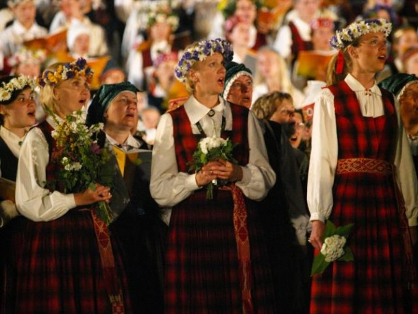 LATVIANs WOMEN CHOIR - Dzintars: Songs of Amber
