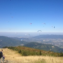 Paragliders in Szczyrk